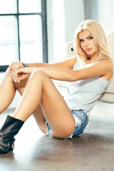 Olga, Russian escort who offers company in Florence (Florencia)